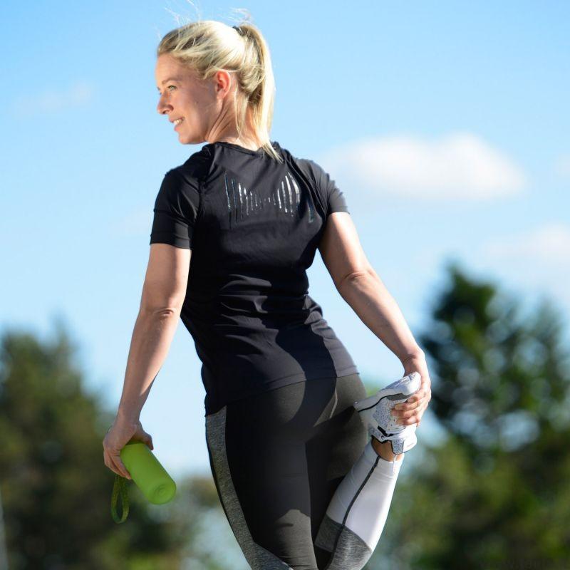 Laikyseną koreguojantys marškinėliai moterims,juodos spalvos, dydis XS