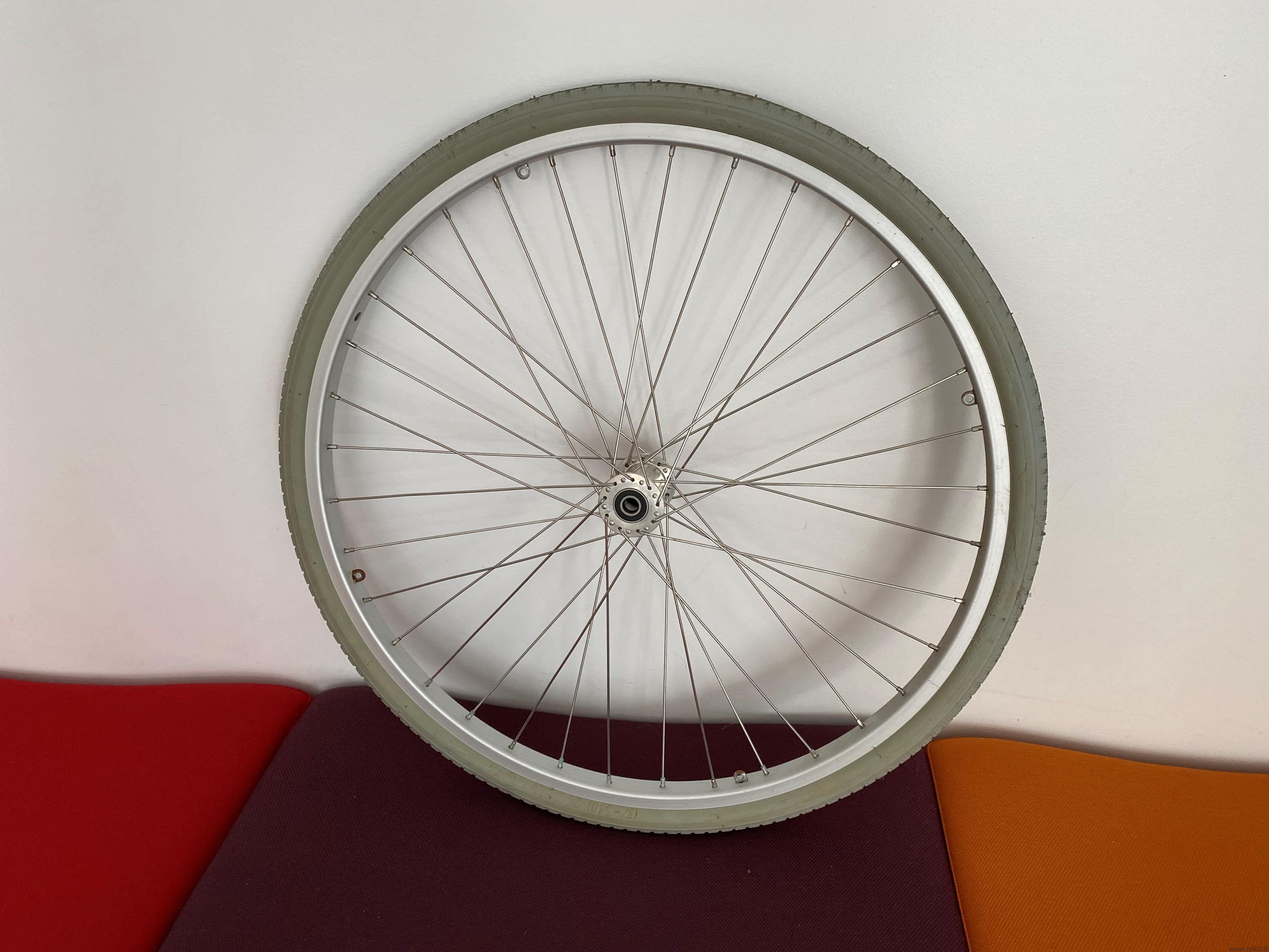 """24"""" ratas universaliam vežimėliui"""