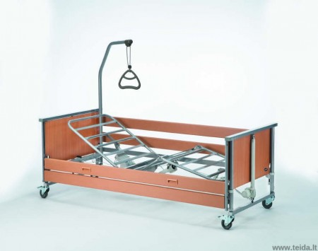 Funkcinė elektrinė slaugos lova INVACARE Medley Ergo, metalinis lovadugnis, mediniai šoneliai