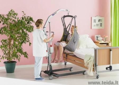 Mobilaus elektrinio Invacare® keltuvo neįgaliajam nuoma